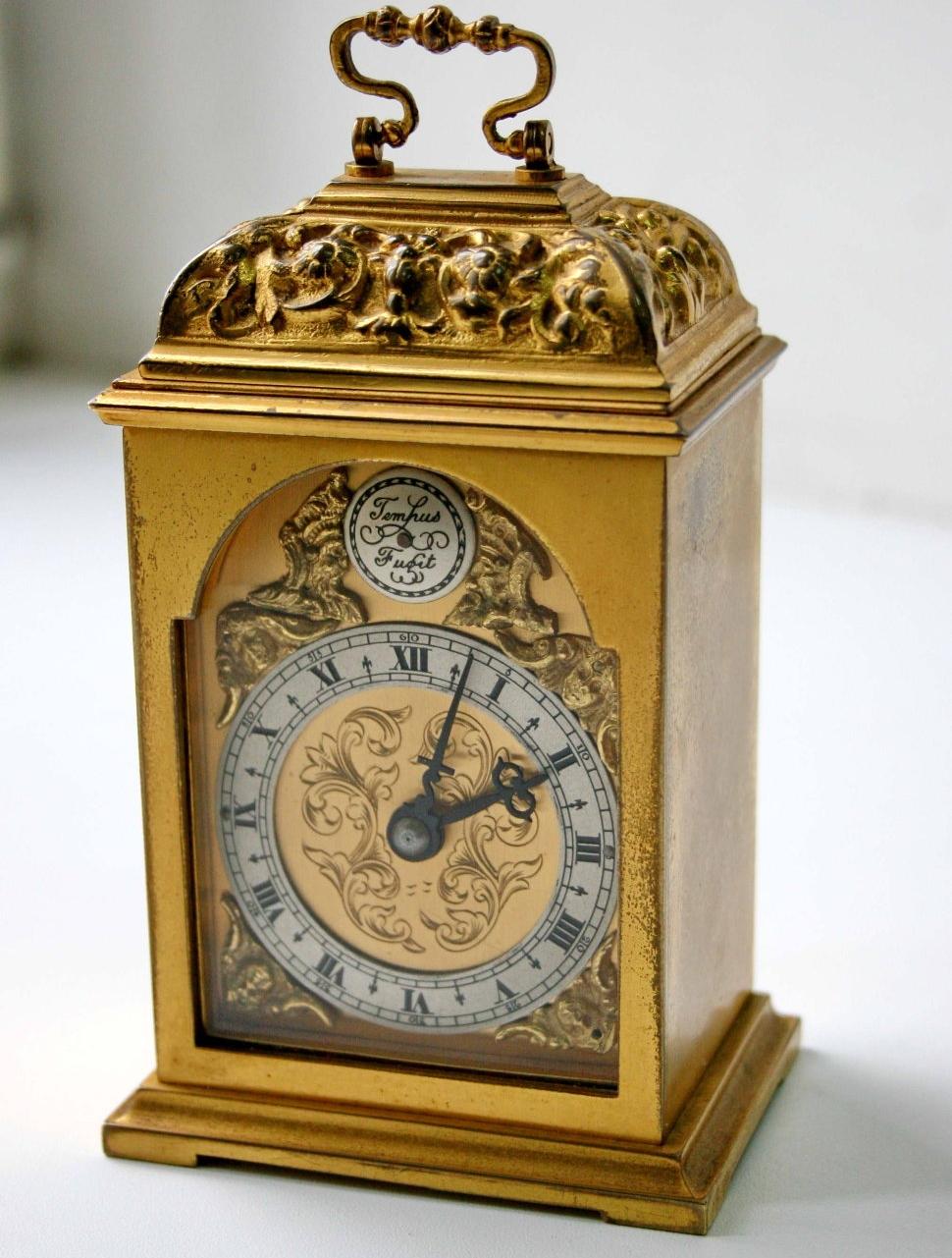 в бу продам новосибирске часы
